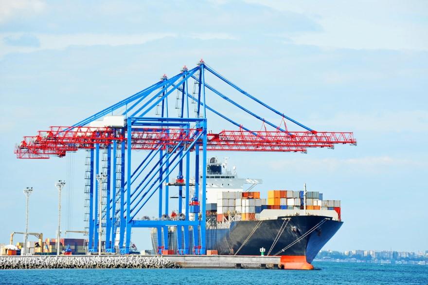 Ventajas e inconvenientes del transporte maritimo